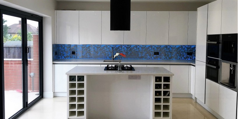 Edge-Lit Splashback