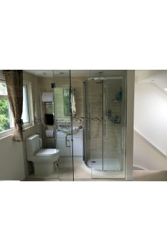 En-suite Shower Room Partition